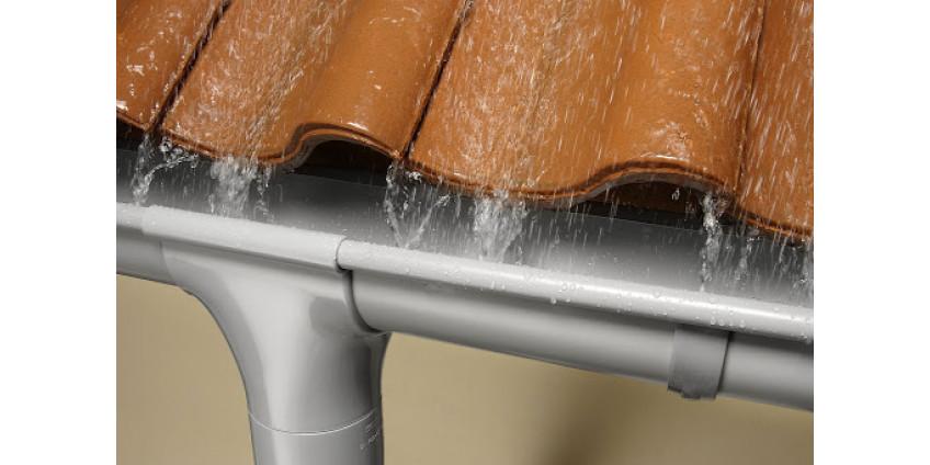 Как избежать протечки водостока — причины возникновения и профилактика течи
