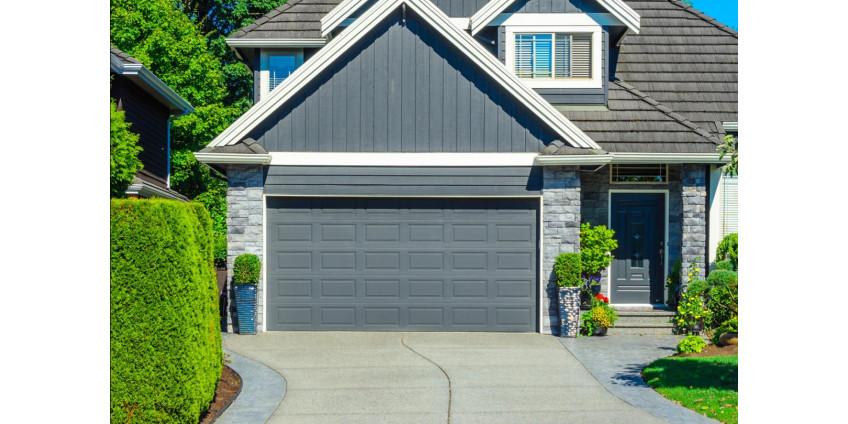 Какие ворота для частного дома выбрать?